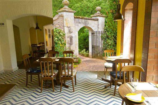 wallpaper-garden-door-2-preview