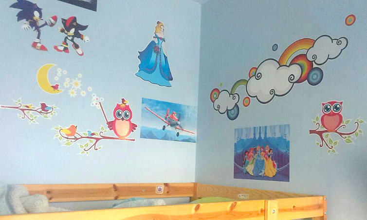 stickers-in-the-kids-room